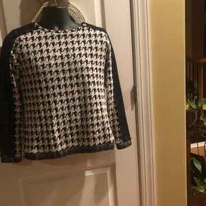 Crown & Ivy black/white top. Size small